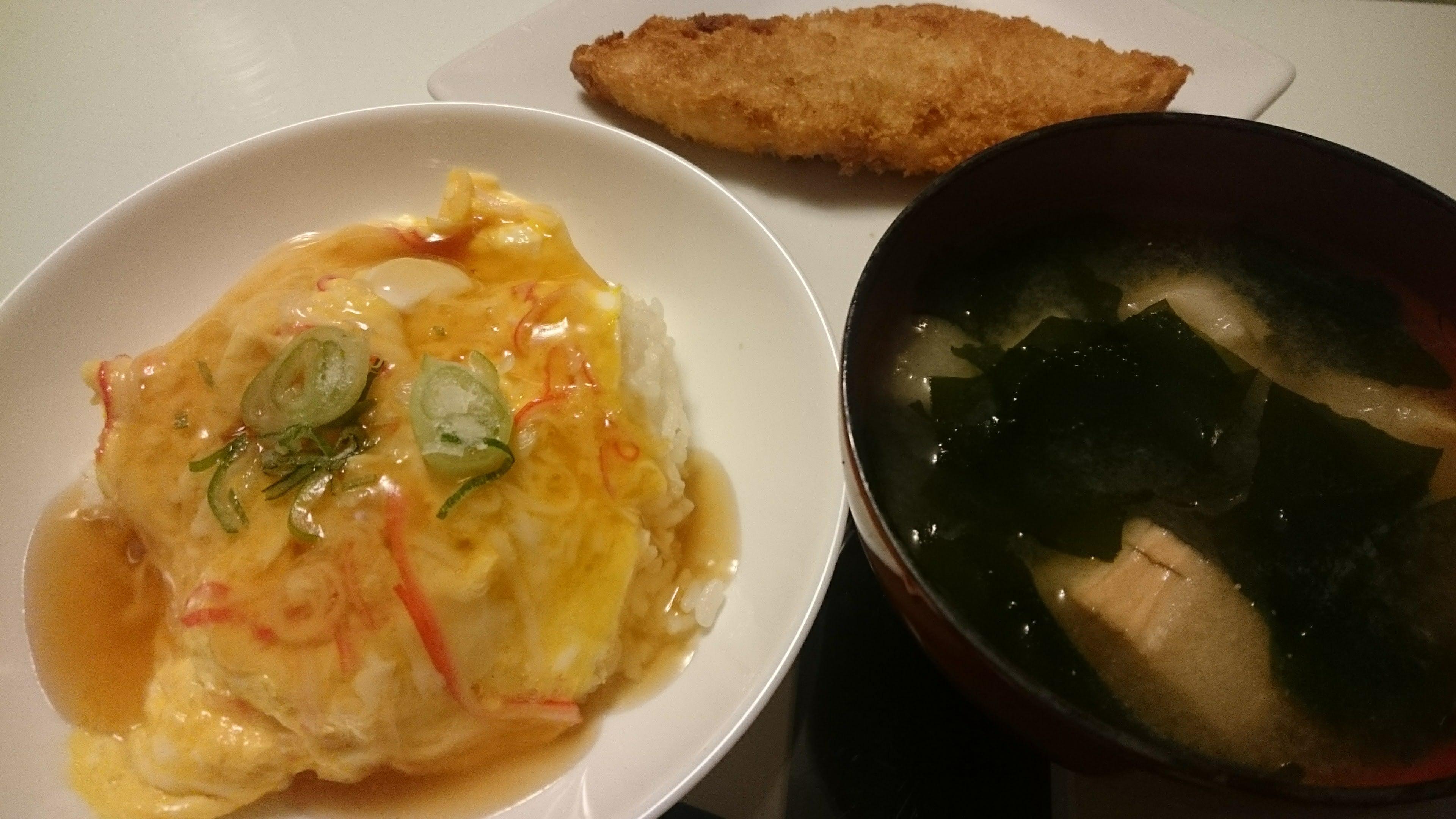 かにかま丼+白身魚のフライ