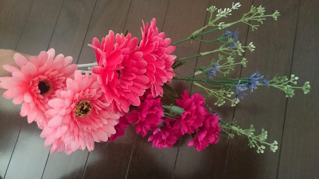 ダイソーの造花