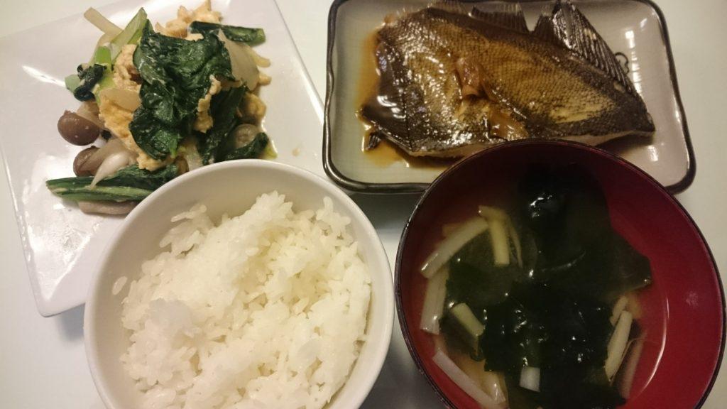 かれいの煮付け+小松菜と卵のオイスターソース炒め