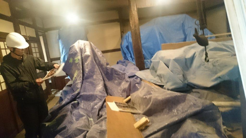 丁子屋茅葺き屋根修復工事見学