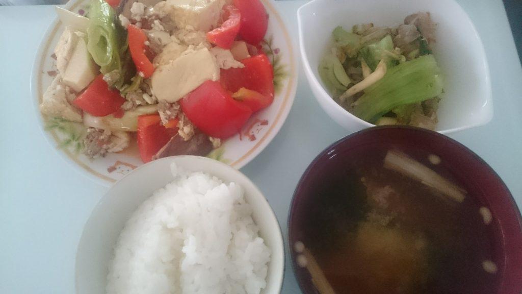 豆腐の豆板醤炒め+青梗菜としめじのおかか和え