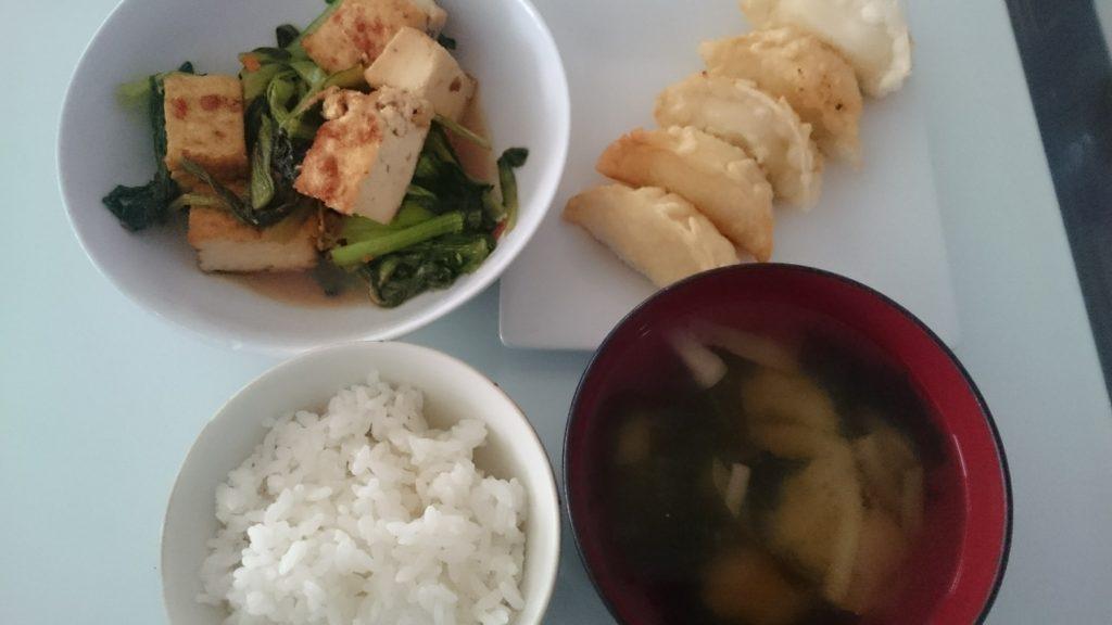 小松菜と厚揚げのピリ辛煮+じゃがチーズ揚げ