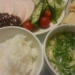 ゆで鶏の野菜添え+納豆とキムチのチーズ挟み焼き
