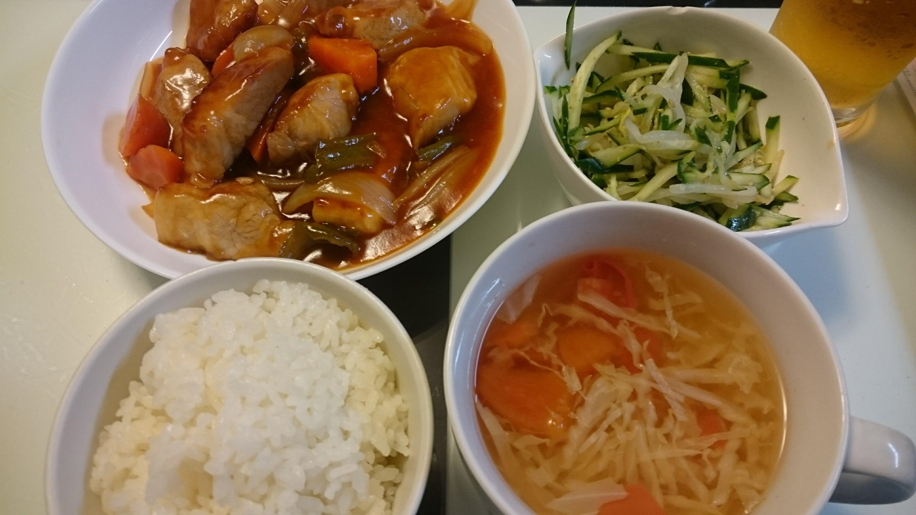 酢豚+きゅうりともやしのサラダ