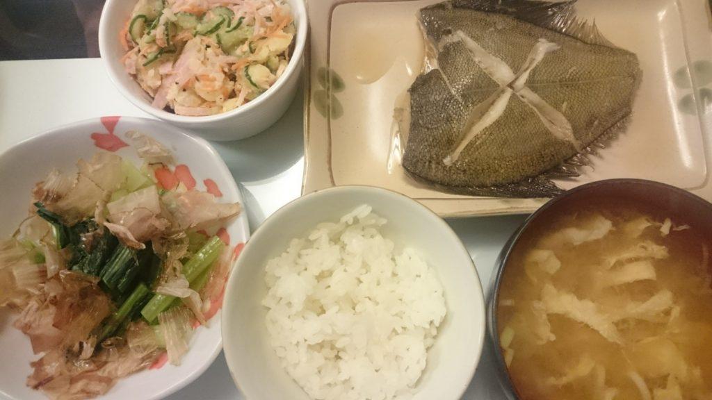 カレイの煮付け+ポテトサラダ+小松菜のおかか和え