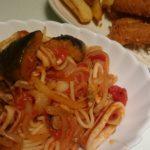 いかとナスのトマトスパゲッティ+エビフライ