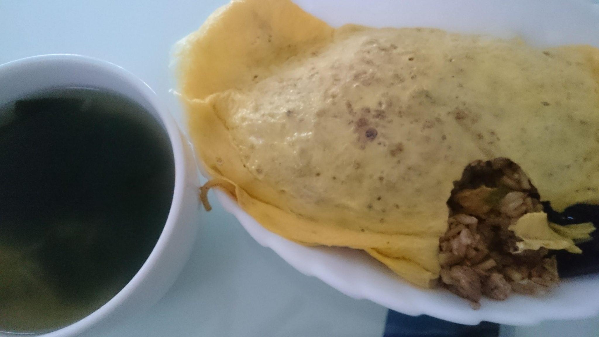 オムそば飯+玉ねぎとわかめのスープ