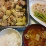 鶏もも肉とじゃがいものオーブン焼き+アスパラとレンコンの煮浸し