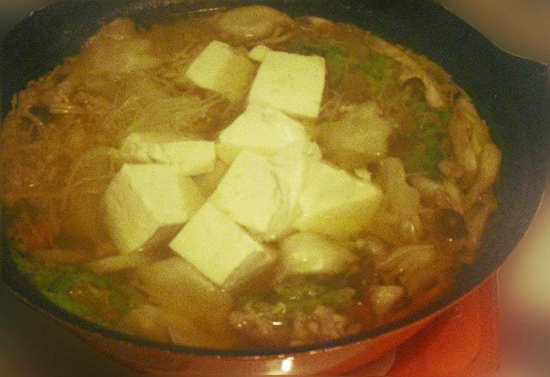 醤油ベースの水餃子鍋