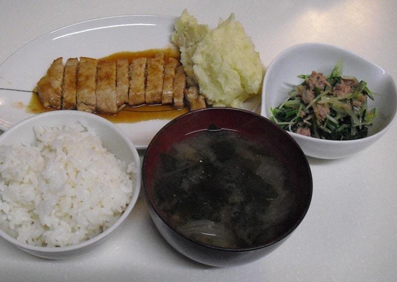 トンテキ+マッシュポテト+水菜のサラダ