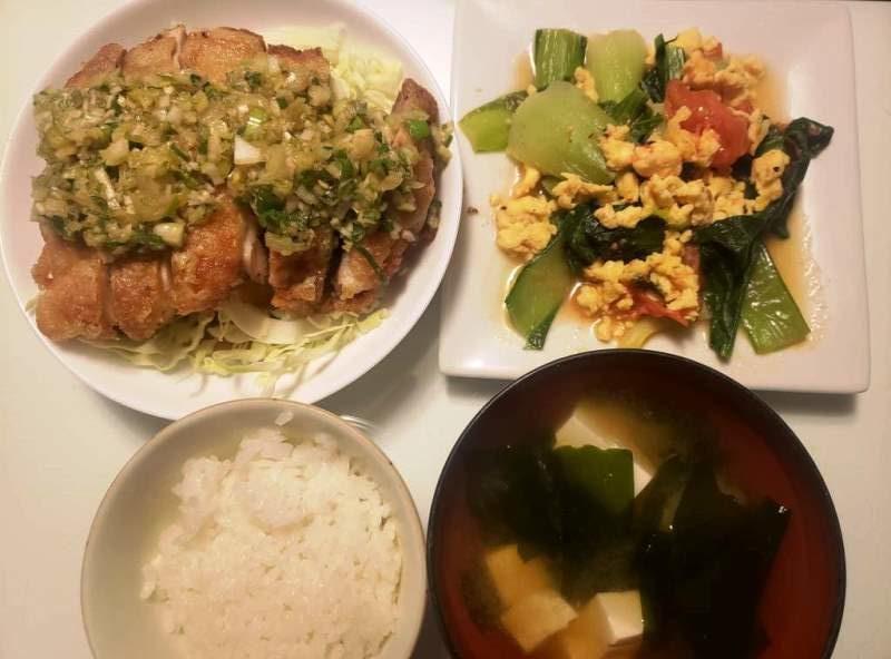 油淋鶏+小松菜とトマトの卵炒め