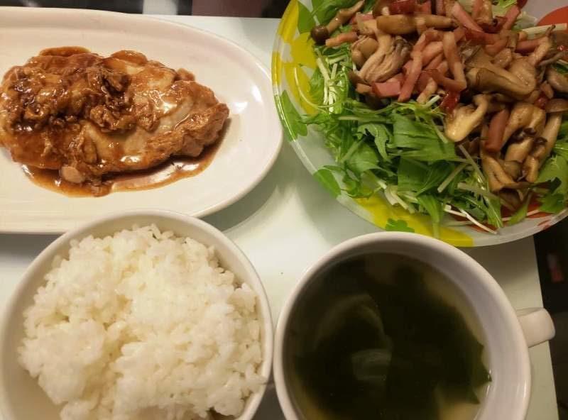 豚ロースソテー+水菜ときのこのサラダ