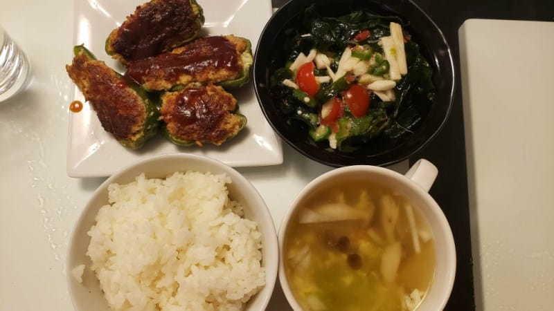 【4人分648円】ピーマンの肉詰めと副菜サラダの献立レシピ