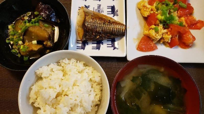 鯖の麹漬け焼き+揚げナスの味ポン薬味漬け+トマ玉炒め